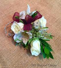 homecoming corsage maroon and white homecoming corsage corsages boutonnieres