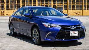 how does the toyota camry hybrid work 2015 toyota camry hybrid review roadshow