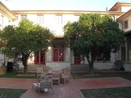 vis island house croatia courtyard 142 loversiq