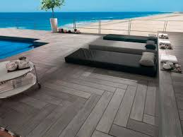 amenagement piscine exterieur terrasse en bois 5 idées d u0027aménagement à copier travaux com