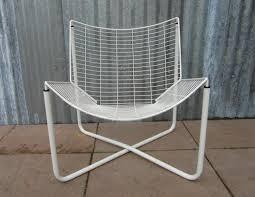 ikea chaises pliantes et empilables chaise jarpen blanche en métal par niels gammelgaard pour ikea