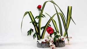discovering ikebana the art of japanese flower arranging garden
