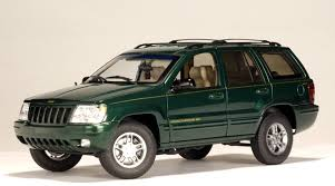 green jeep grand cherokee autoart 1999 jeep grand cherokee dark green 74014 in 1 18 scale