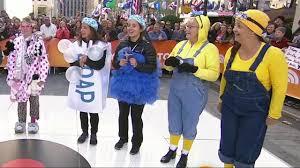 steven tyler halloween mask crazy cat lady wins today u0027s halloween costume contest today com