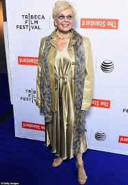 New Look For Roseanne Barr 2015 With Blonde Hair | roseanne barr shows off new short platinum blonde do roseanne barr