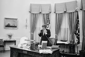 Oval Office Desk Old Photos Of U S Presidential Phone Calls Vintage Everyday