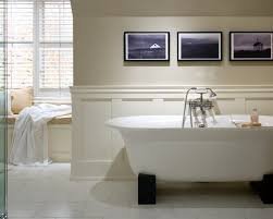 bathroom ideas with wainscoting 1000 ideas about wainscoting best wainscoting small bathroom