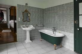 chambre antoinette salle de bains de la chambre antoinette de bourbon picture of le