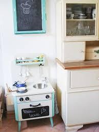 kinderküche aus einem alten nachtschrank selber bauen - Diy Kinderküche