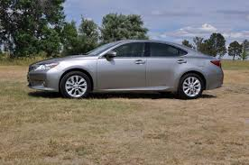 lexus es300h vs toyota camry hybrid 2015 lexus es 300h first impression the fast lane car