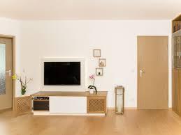Wohnzimmerschrank Lackieren Charaktervoller Wohnzimmerschrank Urbana Möbel