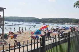 beach expansion may face total redesign news lakegenevanews net the plans for a proposed beach expansion and new retaining wall on the west side of the beach house were pushed back to the piers and harbors committee last