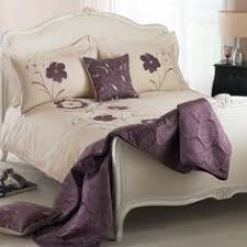 Plum Duvet Cover Set This Is A Very Attractive Oriental Flower Print Duvet Cover Set In