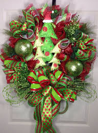 christmas mesh wreaths 373 best christmas mesh wreaths images on christmas