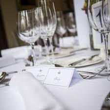 exemple de nom de table pour mariage plan de table mariage comment placer ses invités marie claire