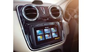 renault lodgy seating renault lodgy specifications price mileage pics review