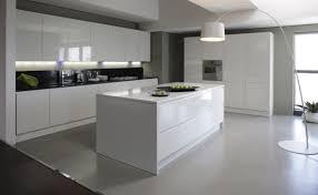 cuisine blanc laqué beautiful cuisine blanc laqué avis ideas joshkrajcik us