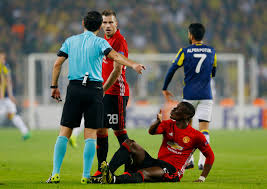 Challenge Injury Paul Pogba Injury 89m Manchester United Limps Out Of Europa