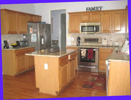 kitchen with light oak cabinets best 25 honey oak cabinets ideas on pinterest painting honey
