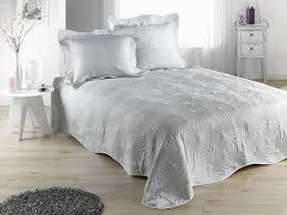 boutis canapé boutis pas cher avec lit couvre lit boutis jete de canape pas