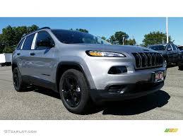 jeep cherokee sport interior 2017 2017 billet silver metallic jeep cherokee sport altitude 4x4