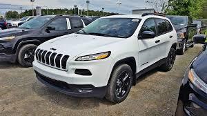 sport jeep cherokee 2017 jeep cherokee v6 sport dark altitude 4x4 prix jamais 2017 blanc