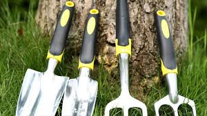 Different Types Of Garden - different types of garden tools required for quick gardening