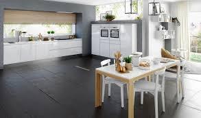 cuisine chaleureuse 5 trucs infaillibles pour une cuisine blanche chaleureuse