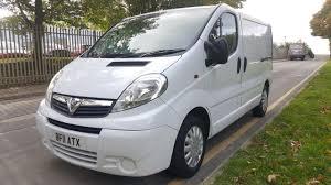 vauxhall white vauxhall vivaro 2700 swb 2l white diesel van with a c jj cvs ltd