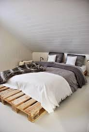 How To Make A Platform Bed Out Of Pallets - sleep on a pallet the fashion medley