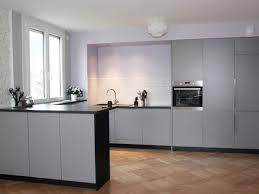 parquet dans une cuisine appartement contemporain vienne cuisine ouverte avec parquet