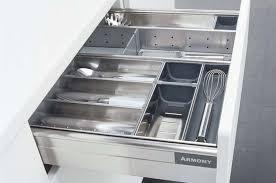 amortisseur tiroir cuisine cuisine pratique fonctionnelle et ergonomique tiroirs à