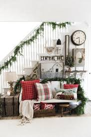 Entryway Ideas For Small Spaces by Best 25 Christmas Entryway Ideas Only On Pinterest French