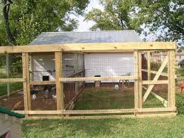 Best Backyard Chicken Coops by What Kind Of Wire Is Best For A Chicken Run Backyard Chickens
