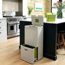 castorama poubelle cuisine poubelle de cuisine carrefour poubelles cuisine totem litres