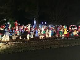 christmas decorations light show sundial residents say neighbors s annual christmas light show a