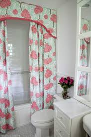 Hawaiian Print Shower Curtains by Best 25 Colorful Shower Curtain Ideas On Pinterest Neutral