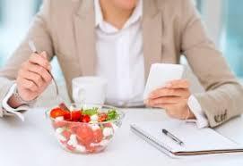 d駛euner au bureau équilibre bien manger au bureau
