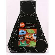 Monster Halloween Cookies by Wilton Monster Halloween Set Of 7 Icing Cookie Cutters Equipment