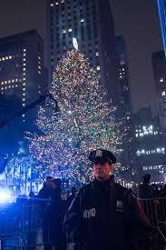 a safe night at rockefeller center christmas tree lighting nypd news