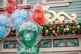 How Long Does Disney Keep Christmas Decorations Up Disney Photopass Service Home Facebook