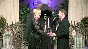 Halloween Wedding Photos by Halloween Wedding Countdown Choose A Scary Minister For Your