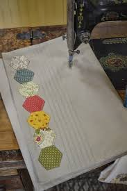 the quilt barn hexie placemat tutorial