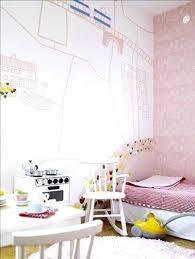 création déco chambre bébé creer deco chambre bebe dans cette chambre de fille un des