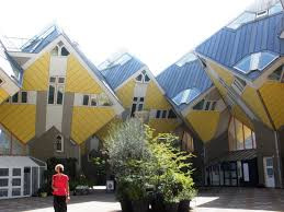 10 most amazing houses and buildings in the world