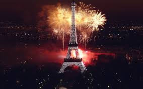 Eiffel Tower Wallpaper For Walls Fireworks At Eiffel Tower Wallpapers Hd Wallpapers