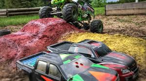 monster truck grave digger video axial smt10 grave digger scale track running video monster truck