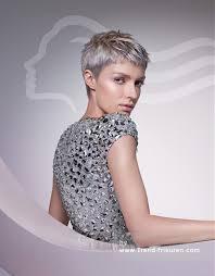 Kurzhaarfrisuren Weiblich by Wella Kurze Grau Weiblich Gerade Farbige Silber Frauen Haarschnitt