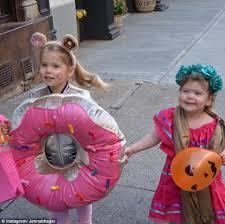 Donut Halloween Costume Savannah Guthrie U0027s Vale Dresses Frida Kahlo