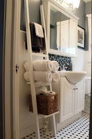 Small Bathroom Organizing Ideas Colors Diy Towel Racks For A Chic Bathroom Update Chic Bathrooms Small